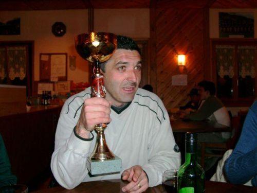 Kurt mit Pokal