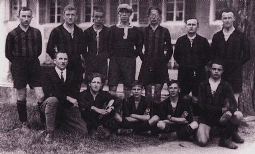Mannschaft Anfang 30er Photo 30 02